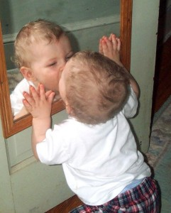 Mirror_baby